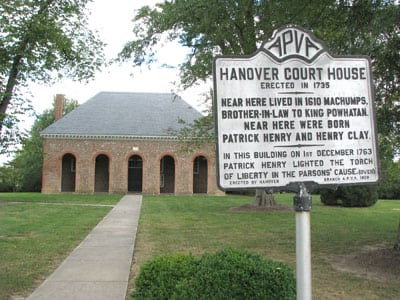 Hanover Court House historical sign with the courthouse in the background